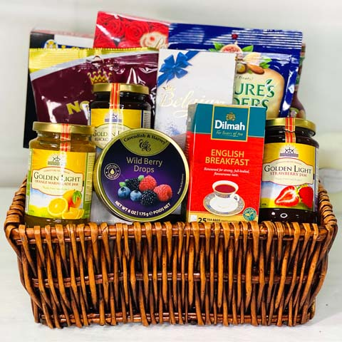 Delightful Snacks Hamper: Gift Hampers