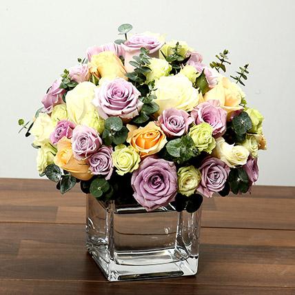 Mixed Rose Arrangement In Glass Vase: Flower Arrangements