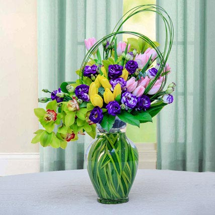 Colourful Flower Arrangement: Valentines Day Gifts
