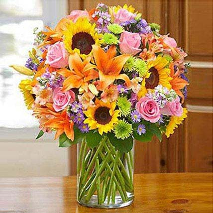 Garden of Grandeur: Sunflower Bouquets