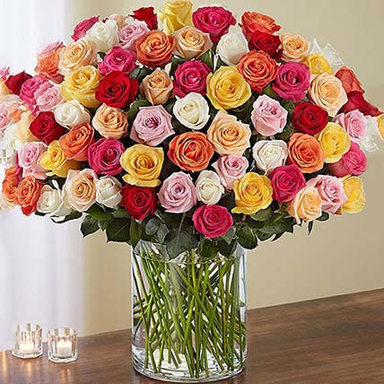 Bunch of 100 Mixed Roses In Glass Vase: Premium Gifts