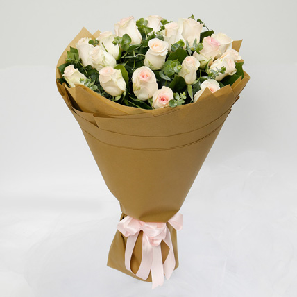 Blissful 20 Peach Roses Bouquet: Anniversary Gift Ideas For Her