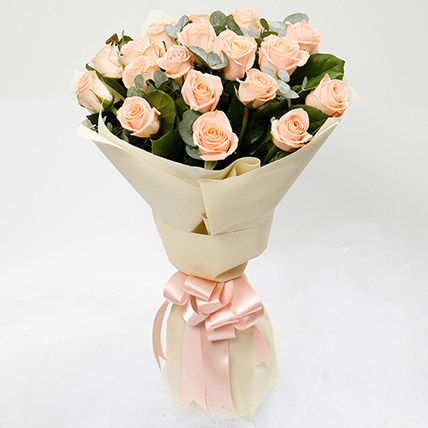 Peach Love 20 Roses Bouquet: Best Housewarming Gifts