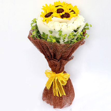 Charming Roses and Sunflower Bouquet: Valentine's Day Gifts Singapore