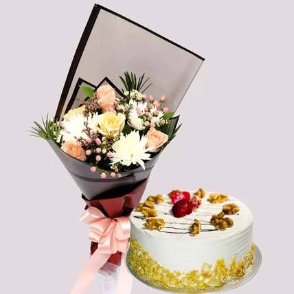 Delicate Rose Bouquet and Coffee Cake: Cakes