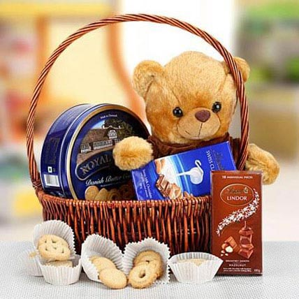 Cuddly Wishes: Mothers Day Gift Hampers
