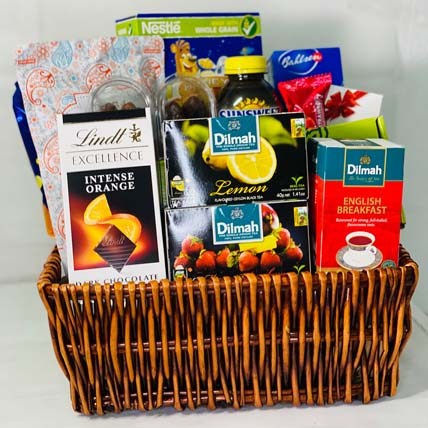 Gluten Free Snack Basket: Christmas Hampers