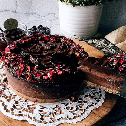 6in Round Chocolate Cheesecake: Birthday Cakes