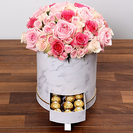 Stylish Box Of Pink Roses and Chocolates: Flower in a Box