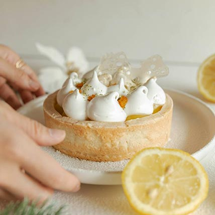 Lemon Meringue Tart: Christmas Cakes
