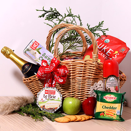 Moet And Chandon Surprise Hamper: Christmas Gifts