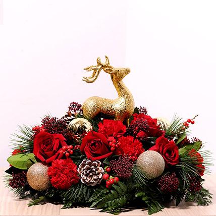 Reindeer Theme Center Table Flowers: Christmas Gift Ideas