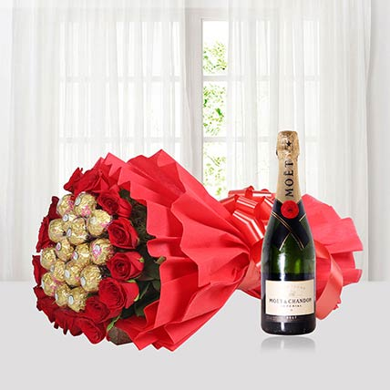 Roses N Rocher With Champagne: Friendship Day Gifts