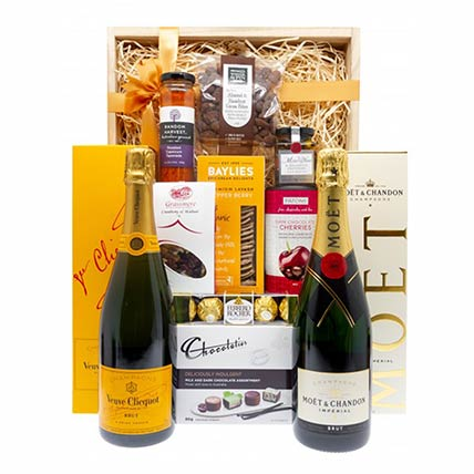 Flavoursome Champagne N Chocolate Hamper: Chocolate Hampers