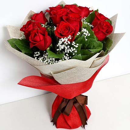 Bunch Of Ravishing Roses: Valentines Day Gifts