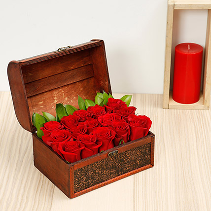Red Roses Arrangement: Valentines Gifts