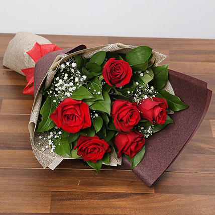 Romantic Roses Bouquet: Flowers Delivery Singapore