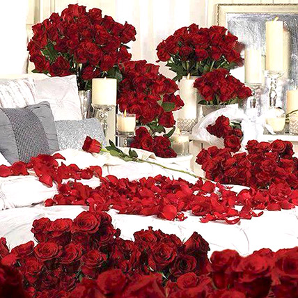 Dreamy 300 Red Roses and Candle Decor: Girlfriends Day Gifts
