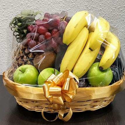 Traditional Fruit Basket: Fathers Day Gift Ideas