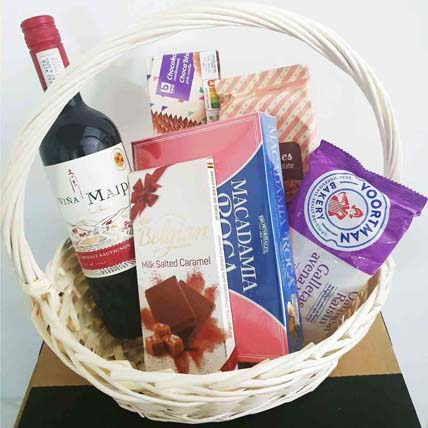 Wine N Cookies Gift Hamper: