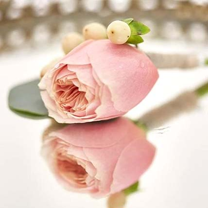Classic Peach Rose boutonniere: Corsage Flowers