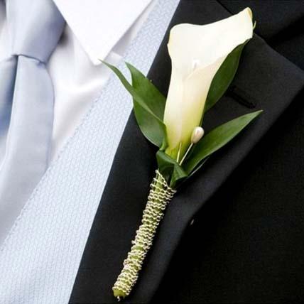 Elegant Calla Lily boutonniere: Bridal Bouquets