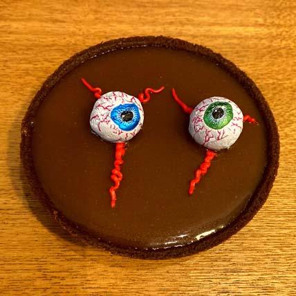 Salted Caramel Eyeball Tart: Halloween Cupcakes