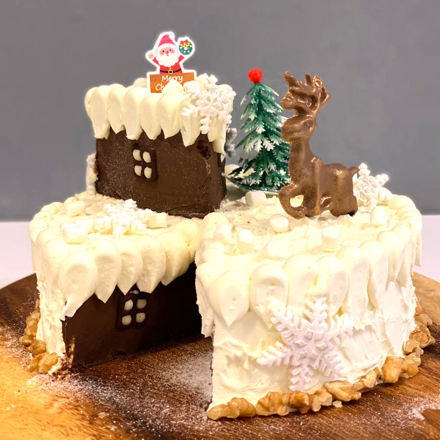 Drips Cafe Luxurious Xmas Special Carrot Cake: Christmas Cakes