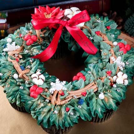 Christmas Wreath Cupcake Set: Cup Cakes