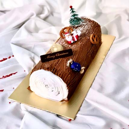 Traditional Chocolate Log Cake: Christmas Cakes