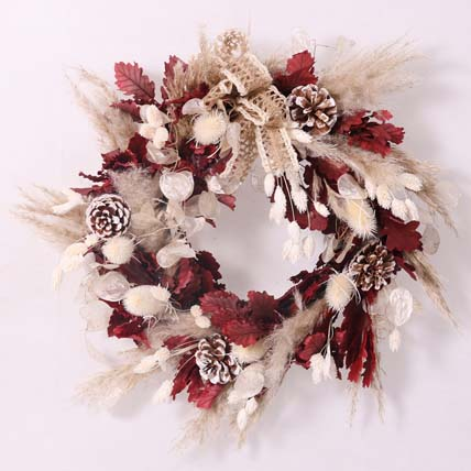 Elegant Dry Flowers Wreath: Christmas Wreaths