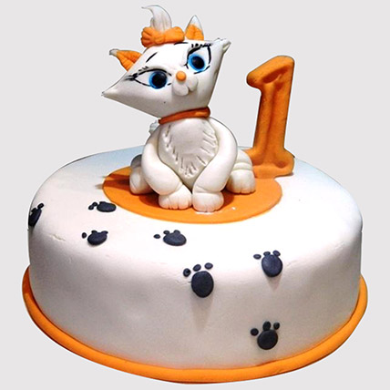 White Cat Birthday Cake: Alphabet cakes
