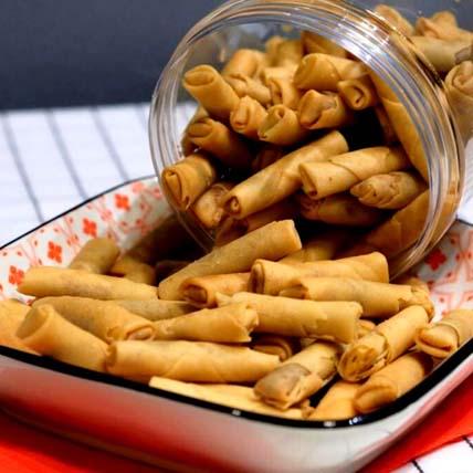 Chilli Spicy Prawn Rolls: CNY Cakes