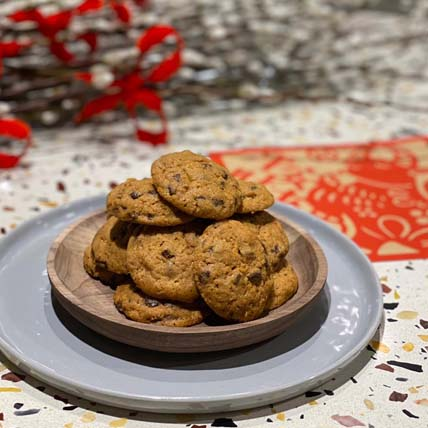Yummy DRIPS Chocolate Chip Cookies: CNY Cakes