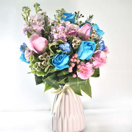 Vibrant Love Floral Vase: Blue Flower Bouquet