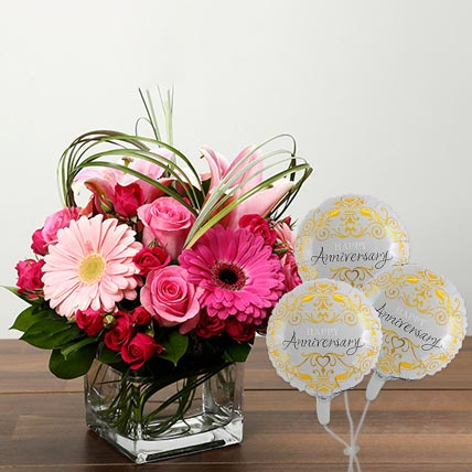 Pink Bunch of Flowers In Glass Vase With Anniversary Balloon: Flowers N Balloons