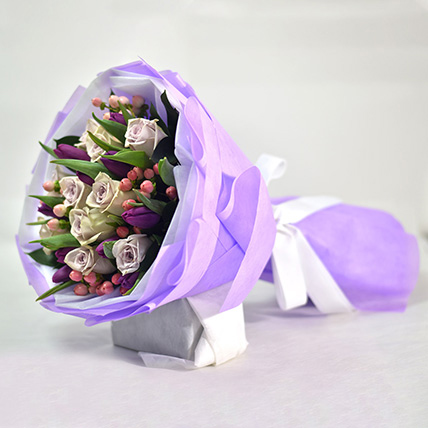 Tulips & Roses Elegant Bouquet: International Women's Day Gift Ideas