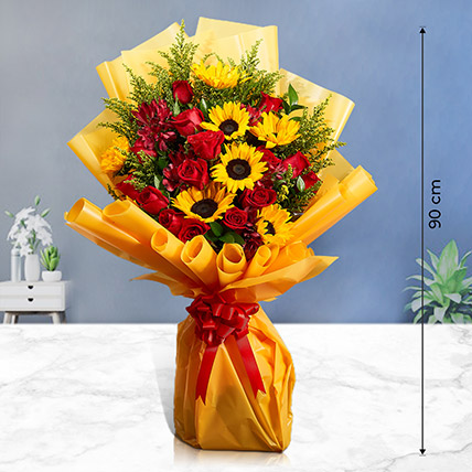 Lovely Mixed Flowers Bunch: Premium Flowers