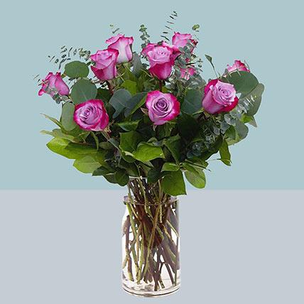 Attractive Roses Glass Vase Arrangement: Flower Bouquets in Singapore