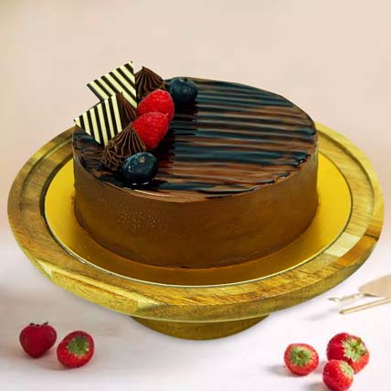 Flavourful Chocolate Cake: Gifts For Wife