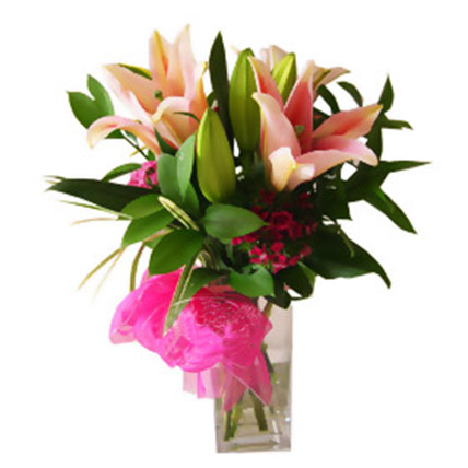 Elegant Lilies Bunch In Vase: Gifts To Malaysia