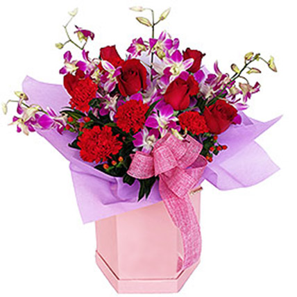 Mixed Flowers In Hatbox Arrangement: Flowers To Malaysia