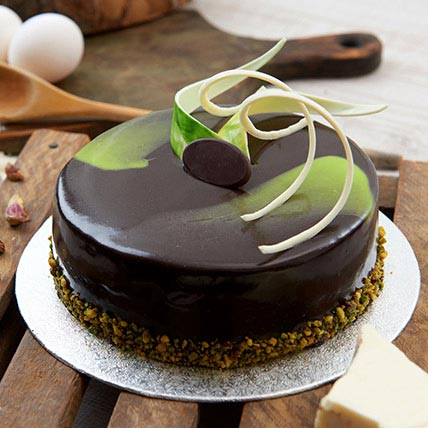 Chocolate Pistachio Cake Half Kg