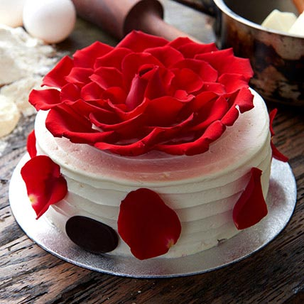 Delightful Rose Cake 1.5 Kg