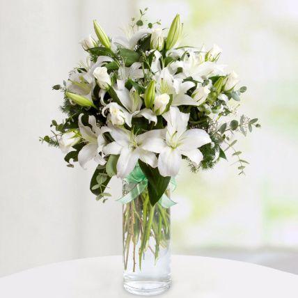 Delightful Mixed Flowers Arrangement