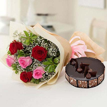Beautiful Roses Bouquet With Chocolate Cake KT