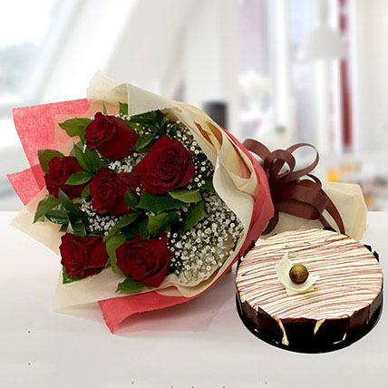 Enchanting Rose Bouquet With Marble Cake KT