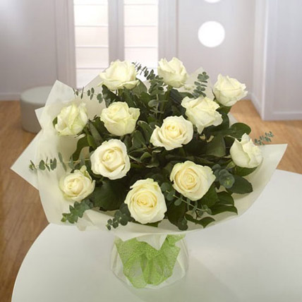 White Roses Bouquet KT