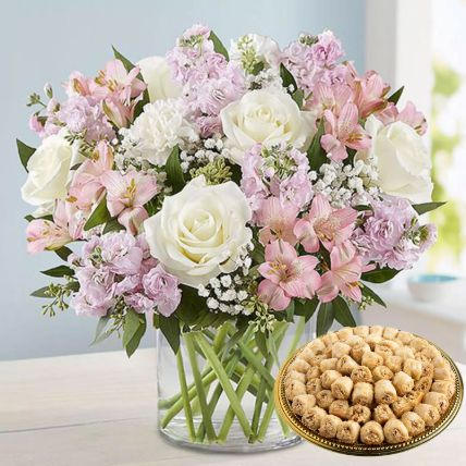 Delicate Flowers Vase And 1 Kg Baklawa Sweets