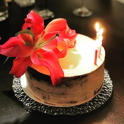 Fresh Floral Chocolate Cake 8 inches Eggless